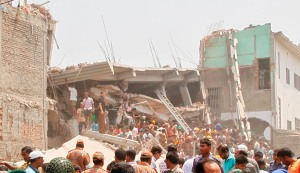 07_Rana-Plaza-Collapse_Savar_2404131[1]